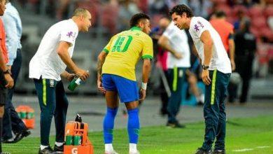 صورة نيمار يصاب بالشد العضلي في أول دقائق مباراة البرازيل ونيجيريا