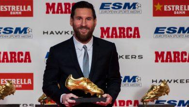 صورة ميسي يتسلم جائزة الحذاء الذهبي للمرة السادسة في مسيرته