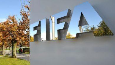 صورة فيفا يدرس تأثير أزمة كورونا على عقود اللاعبين