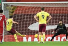 صورة ليفربول يسقط على ملعبه أمام بيرنلي بهدف نظيف