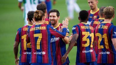 صورة كومان يضم كل اللاعبين لقائمة برشلونة استعدادا لنهائي كأس إسبانيا